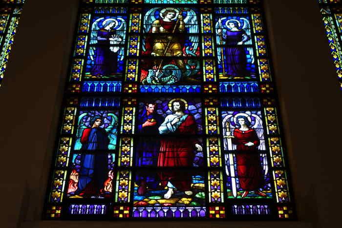 —Vitrail de façade —Église Saint-Jean-Baptiste — Molenbeek-Saint-Jean — Bruxelles —