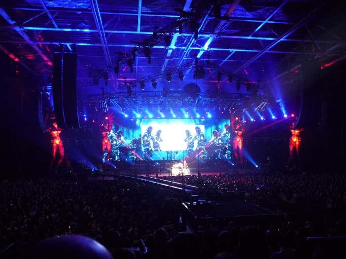 """""""Requiem pour un fou""""  — Concert: """"Tour 66"""" de Johnny Hallyday —"""