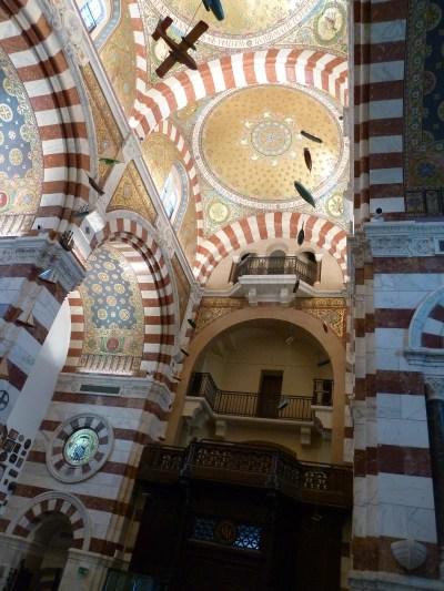 — ex-votos suspendus au plafond de la Basilique Notre Dame de la Garde — Marseille —