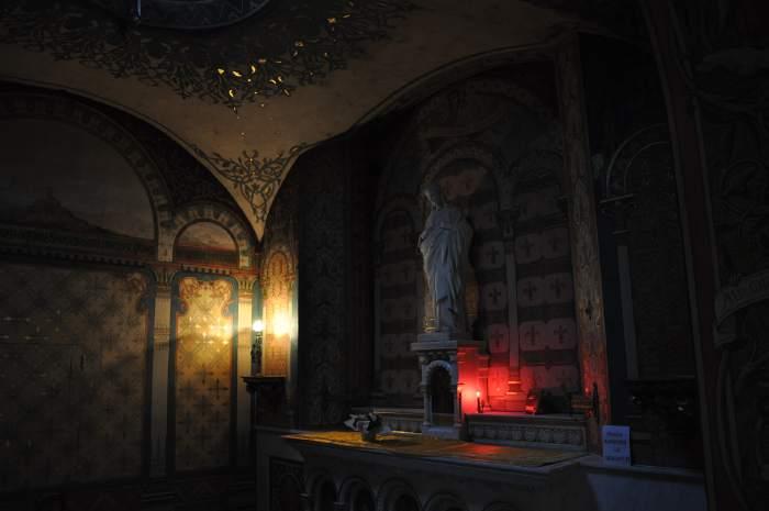 Autel en abside - Eglise Notre-Dame du Port - Clermont-Ferrand