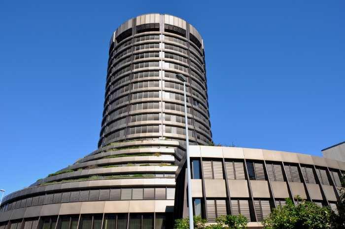 — Tour des Virements bancaires Internationaux— Bâle/Basel —