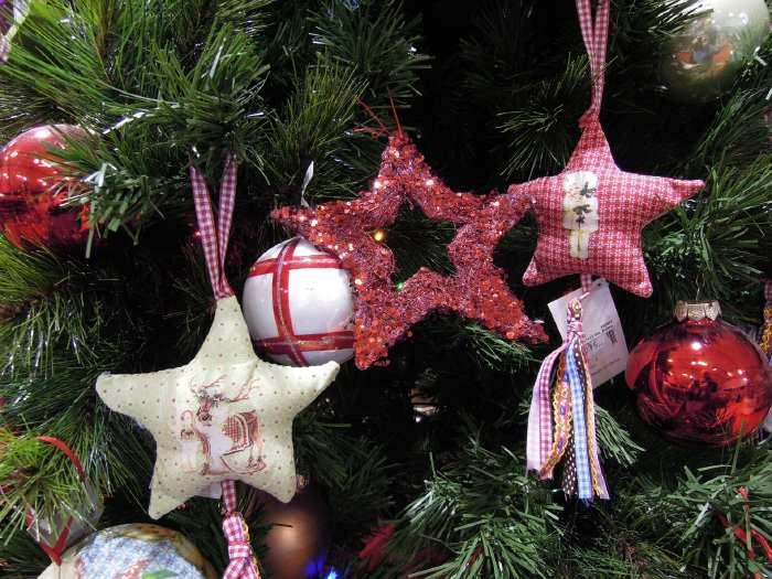 — Pentagrammes - marché de Noël - Parvis de la Défense - Paris —