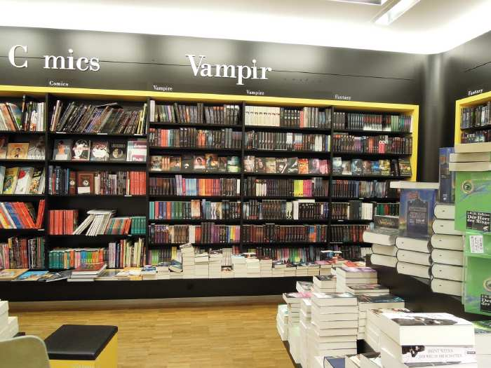 "— Rayon ""vampires"" chez un libraire - Cologne —"