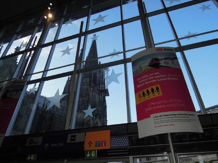 — Tours de la cathédrale vues depuis la gare - Cologne —