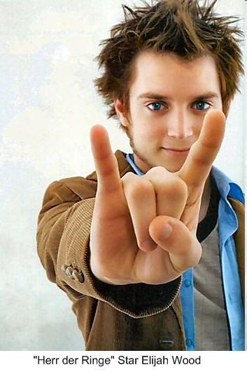 """Elijah Wood, le """"Seigneur des anneaux"""" et son salut cornu"""