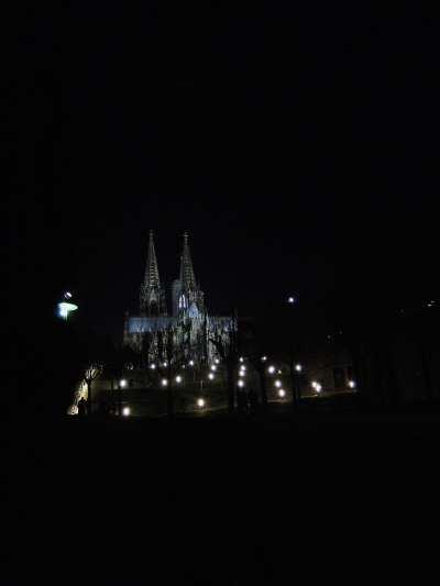 — Cathédrale vues depuis la rive du Rhin - Cologne —
