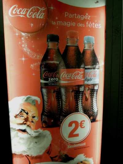 — Appareil de distribution automatique Coca-Cola dans le métro - Paris —