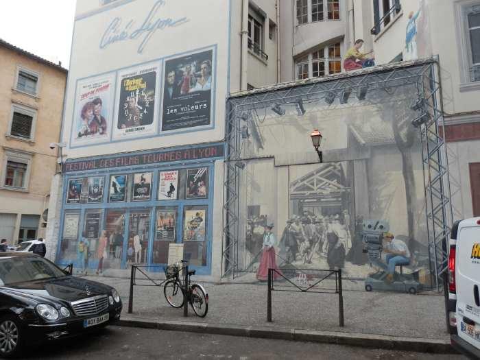 — Façade dédiée au cinéma et aux frères Lumière - Fête des Lumières - Lyon —
