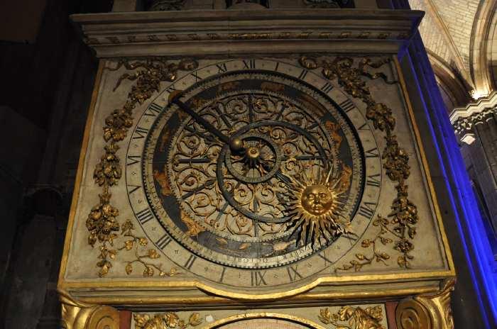 — Horloge astronomique - Cathédrale St Jean - Fête des Lumières - Lyon —