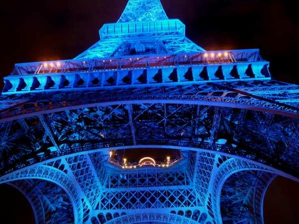 Tour Eiffel aux couleurs du drapeau Européen
