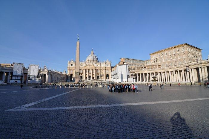 — Basilique et Place St Pierre au lever du jour - Rome —