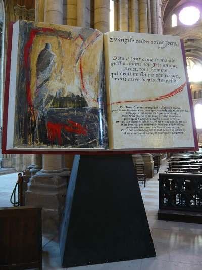 Bible de pierre — abbatiale St Jean