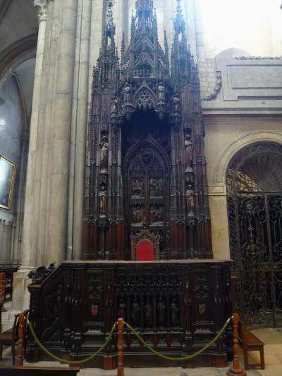 Trône de chapelle d'abiside — abbatiale St Jean — Lyon