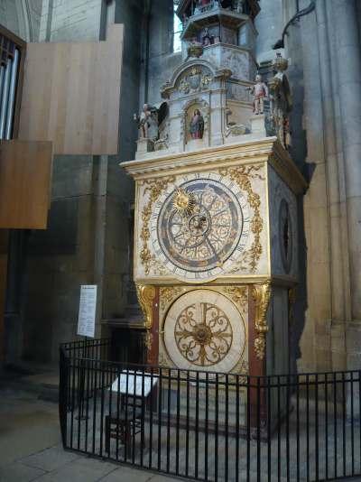 Horloge Astronomique — abbatiale St Jean