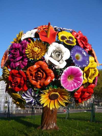 arbre à fleurs de métal — Lyon