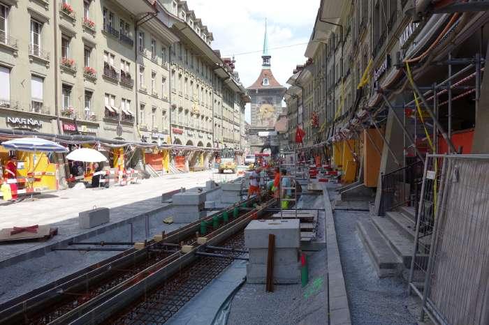 — Marktgasse direction Tour de l'horloge — Bern/Berne —