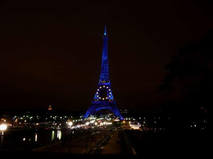 Tour Eiffel et Invalides vu depuis le Trocadéro — Paris