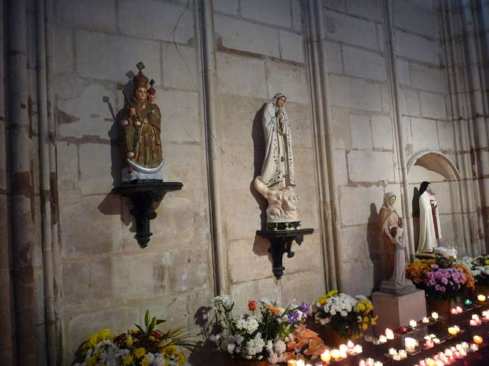 Statues de Vierges — Basilique Saint Denis