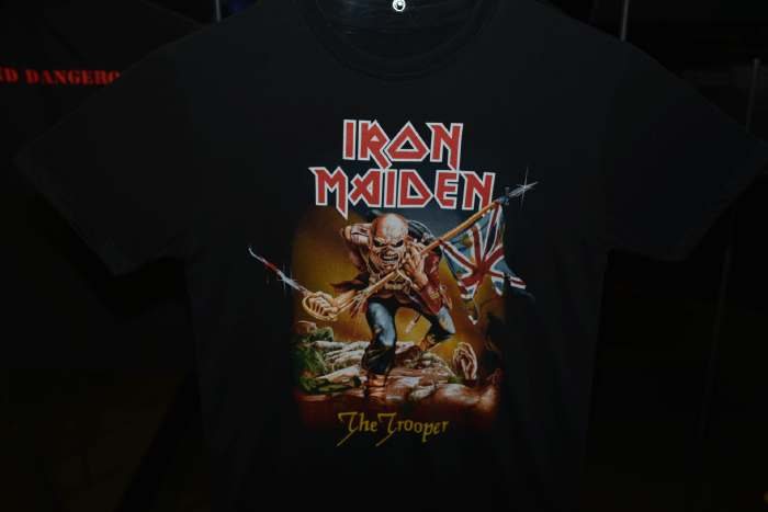 Iron Maiden en croisade?  — T-shirt Iron Maiden — Foire Expo: Rock Story — Clermont-Fd/Cournon —