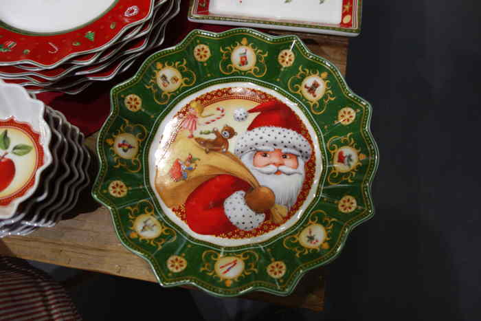 """— Article dédié à la """"fête"""" de Noël dans un grand magasin de Berne — Bern/Berne —"""