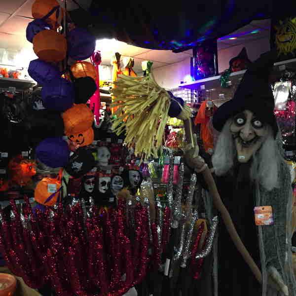 """— Tridents - Rayons dédiés à la """"fête"""" d'Halloween —"""
