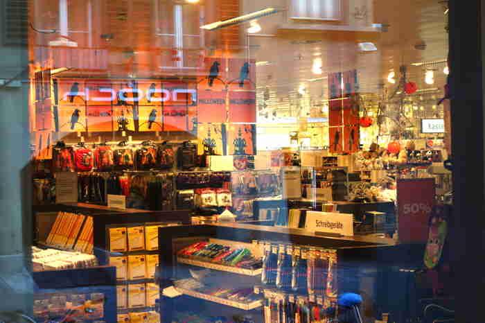 — Vitrine magasin Coop — Bern/Berne —
