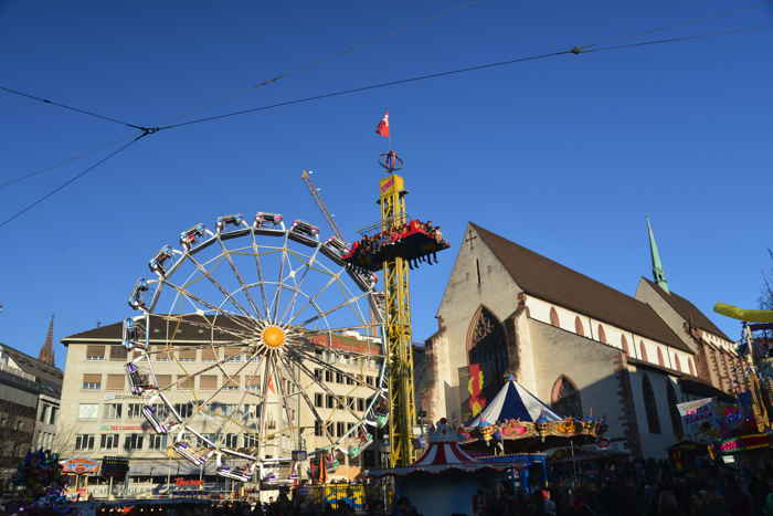 Attractions foraines sur la BarfüsserPlatz — Bâle/Basel