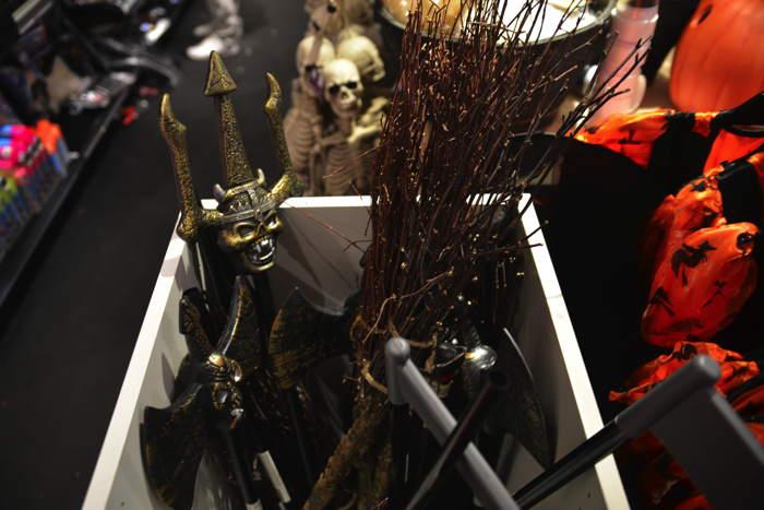 Articles Halloween en grand magasin — Bâle/Basel