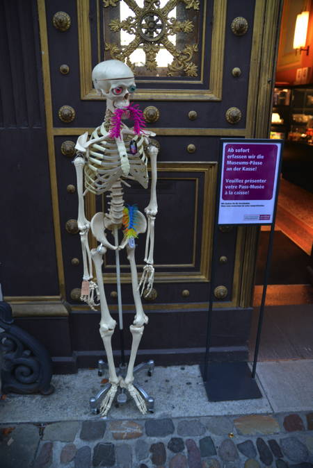 Entrée du musée d'Histoire — Bâle/Basel