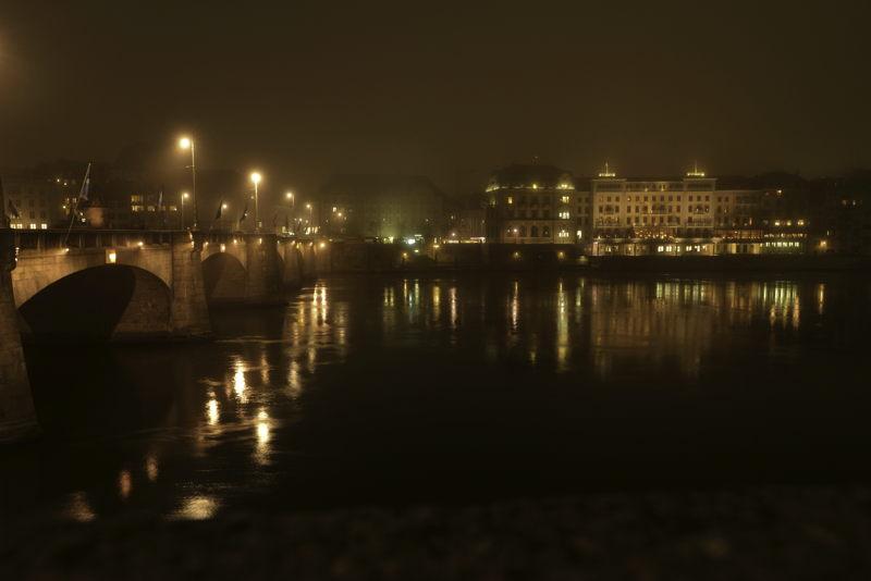 """— Hôtel """"Les Trois Rois"""" vu depuis le Mittlerebrücke — Bâle/Basel —"""