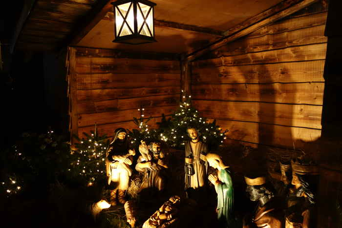 — Crèche sur le marché de Noël Heumarkt — Cologne —