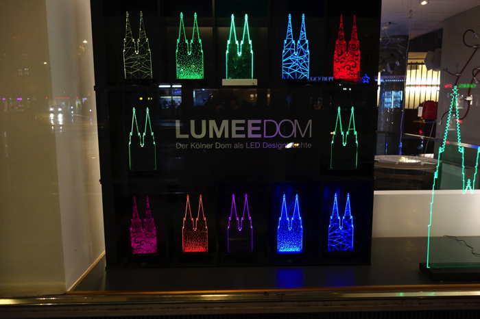 — Tours lumineuses de la cathédrale dans une boutique d'art — Cologne —