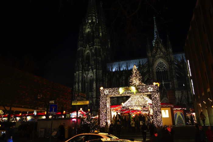 — Marché de Noël parvis de la cathédrale — Cologne —