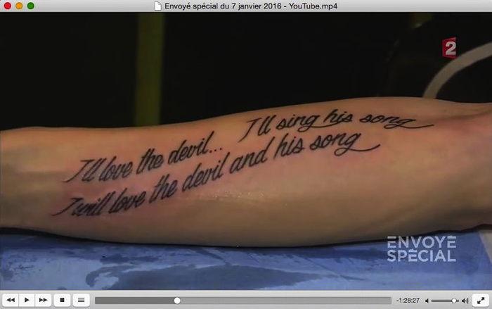 """J'aimerai le Diable, je chanterai sa chanson  J'aimerai le Diable et sa chanson  Capture d'écran France 2 """"Envoyé spécial"""" Janvier 2015"""
