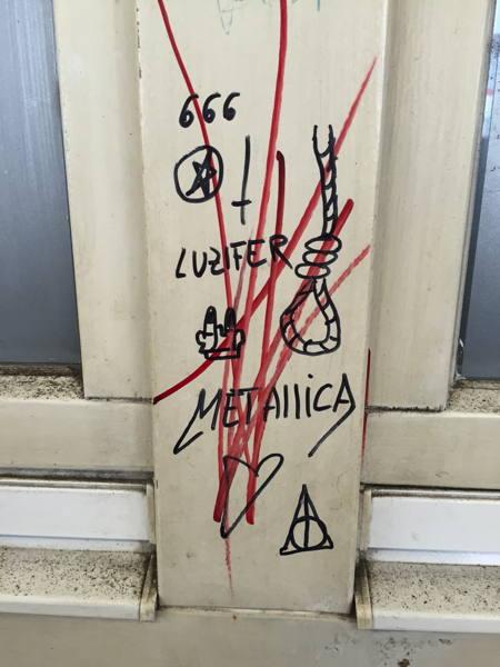 — Grafitti satanique — Carnaval — Gare de Lörrach — Lörrach (Allemagne) —