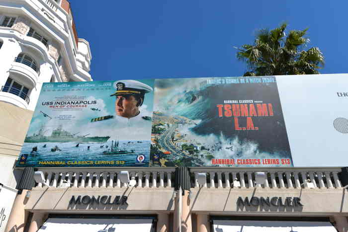 Affiches USS Indianapolis et Tsunami LA — Bd de la Croisette — Cannes