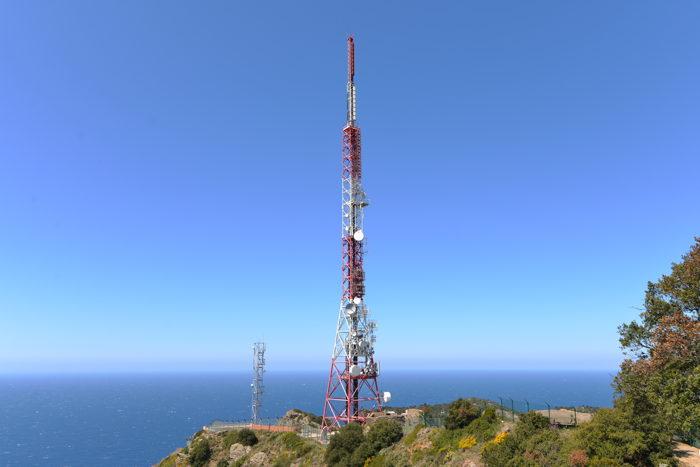 Station technique au sommet du Cap Sicié — Commune de Six-Fours-Les-Plages