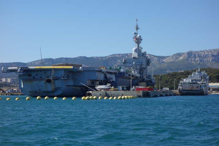 Porte-avions_CDG_Toulon_2s