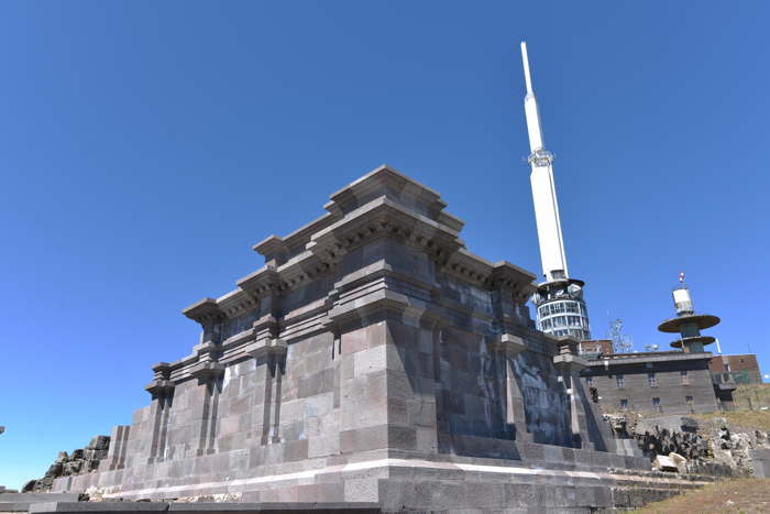 Observatoire et ruines du temple de Mercure