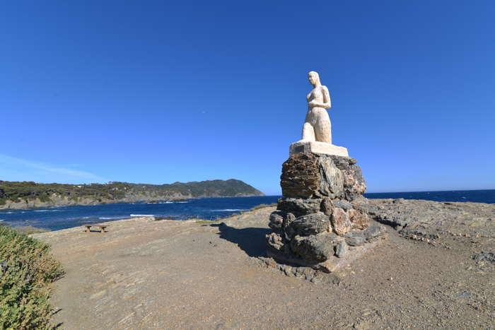 Vénus sortant des flots avec le Cap Sicié en arrière-plan — Commune de Six-Fours-Les-Plages