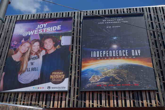 Affiche du Film Independence Day en France — Centre Commercial Westside — Bern/Berne