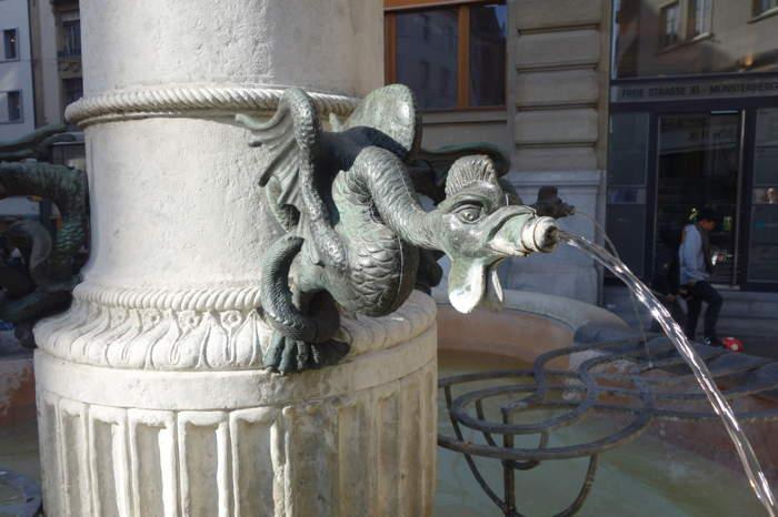 — Fontaine aux quatre basilics — Bâle/Basel —