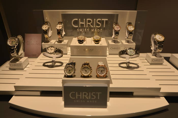 — Vitrine bijouterie Christ — Bâle/Basel —