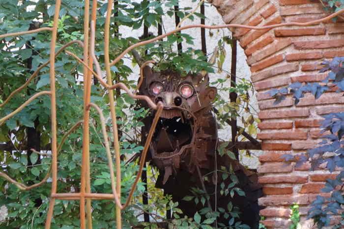 — Jardin de la sorcière et du dragon — Cahors —