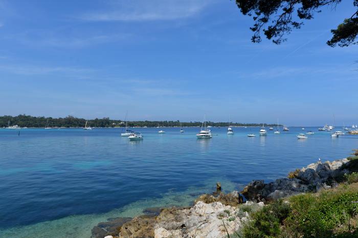 Ile de Sainte Marguerite vue depuyis l'île St Honorat — Lèrins