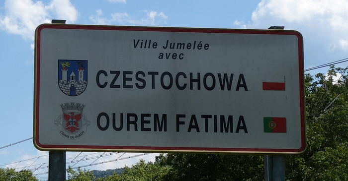 Panneau de jumelage Lourdes/Fatima/Czestochowa — Lourdes