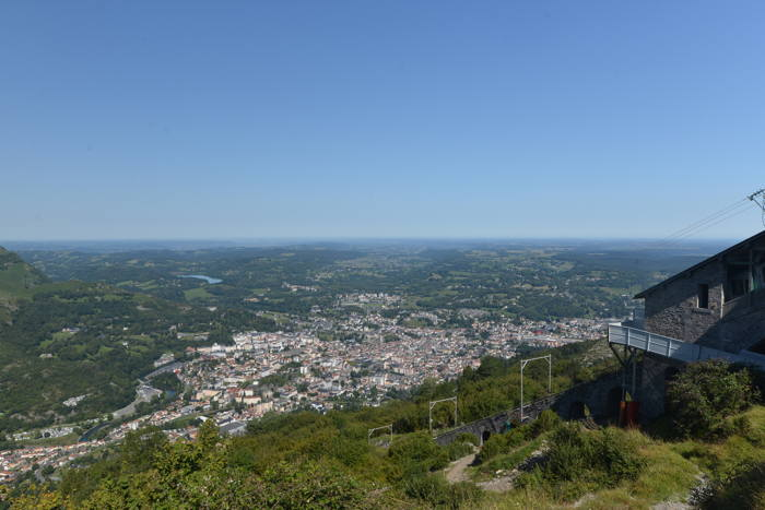 Lourdes vue depuis le funiculaire du Pic-du-Jer — Lourdes