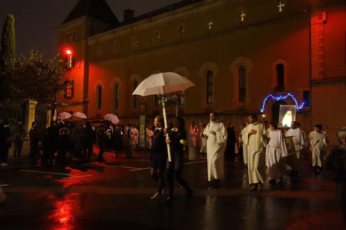 — Arrivée de la procession - Colline de Fourvière — Fête des Lumières — Lyon —