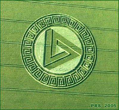 "crop circle: ""Triangle magique"""