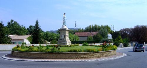 Statue de la Vierge sur la RN 569